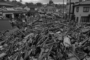 james nachtwey, tsunami japan