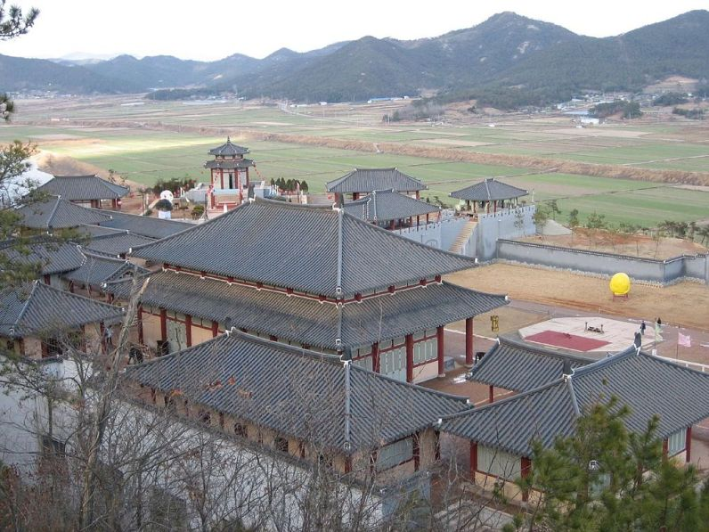 1024px-Jumong_site_2