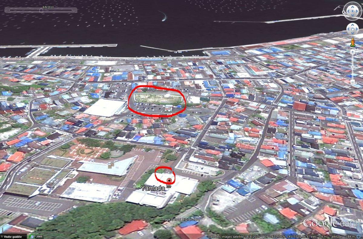 Yamada, Iwate, quelques semaines avant le tsunami (entouré= lieu de prise de vue, Hotel de ville)